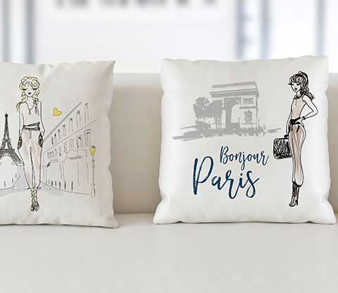 <strong>DECORATIVE PILLOWS</strong>
